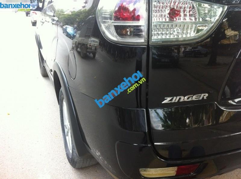 Xe Mitsubishi Zinger  2010-1