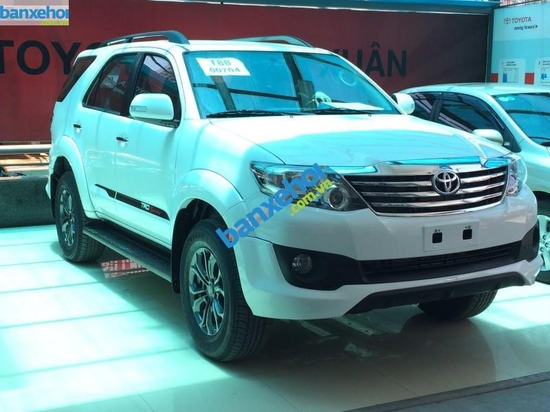 Xe Toyota Fortuner 2.7V Sportivo 2014-0