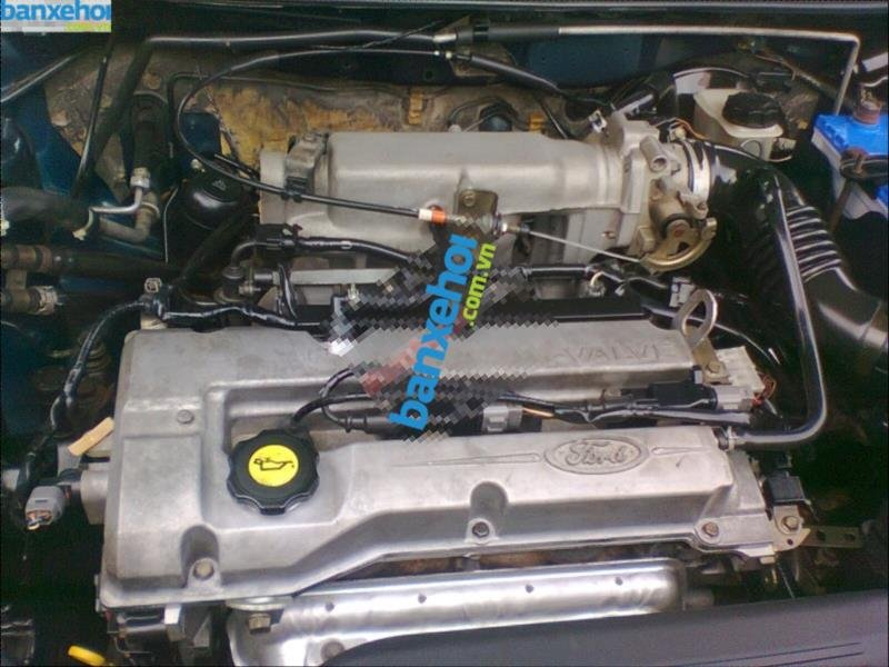 Xe Ford Laser  2003-5