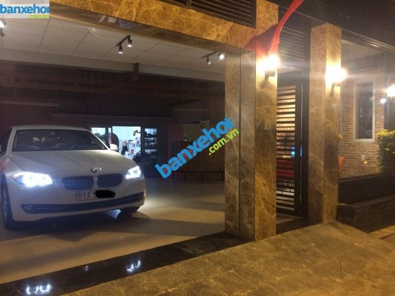 Xe BMW 5 Series 520i 2012-4