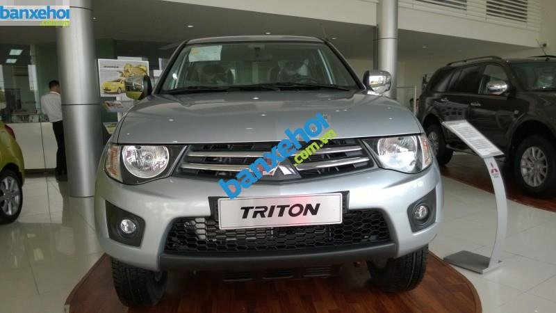 Xe Mitsubishi Triton GLX 2014-0