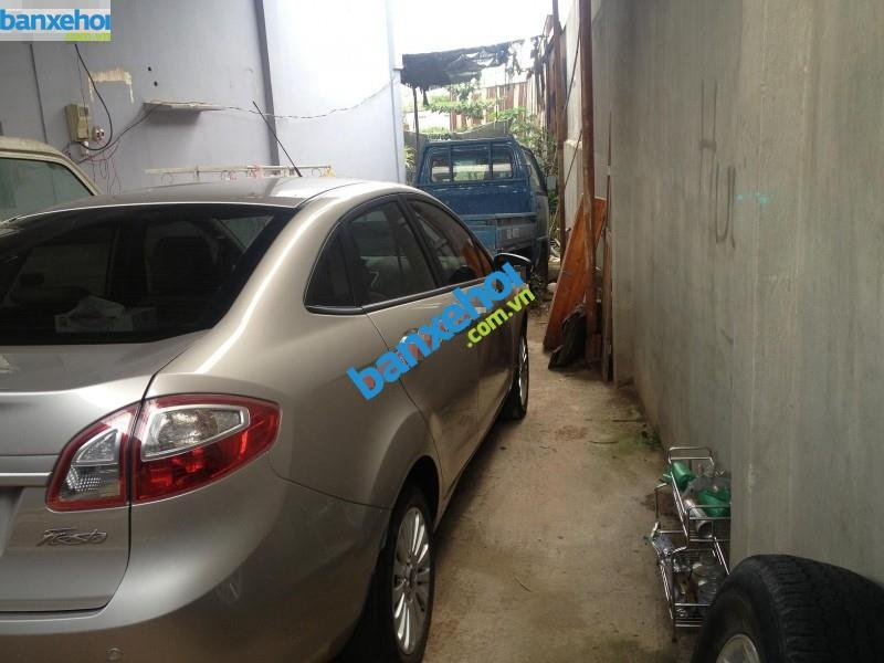 Xe Ford Fiesta 1.6AT 2012-3