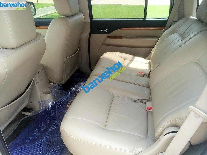 Xe Ford Everest Limited 4x2AT 2010-8