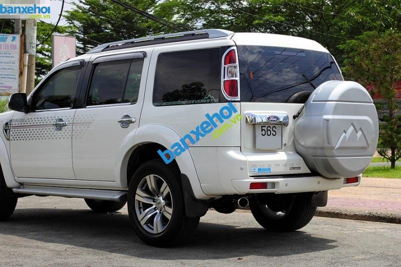 Xe Ford Everest Limited 4x2AT 2010-2