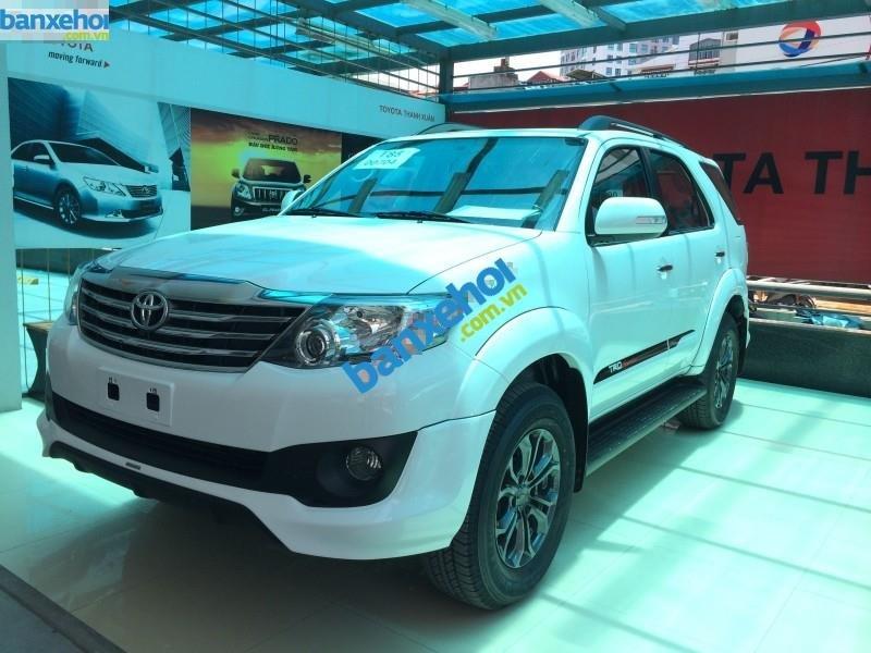 Xe Toyota Fortuner 2.7V Sportivo 2014-2