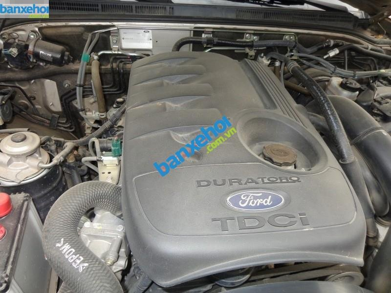 Xe Ford Everest  2010-7