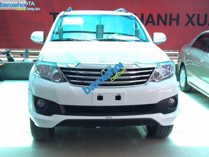 Xe Toyota Fortuner 2.7V Sportivo 2014-1