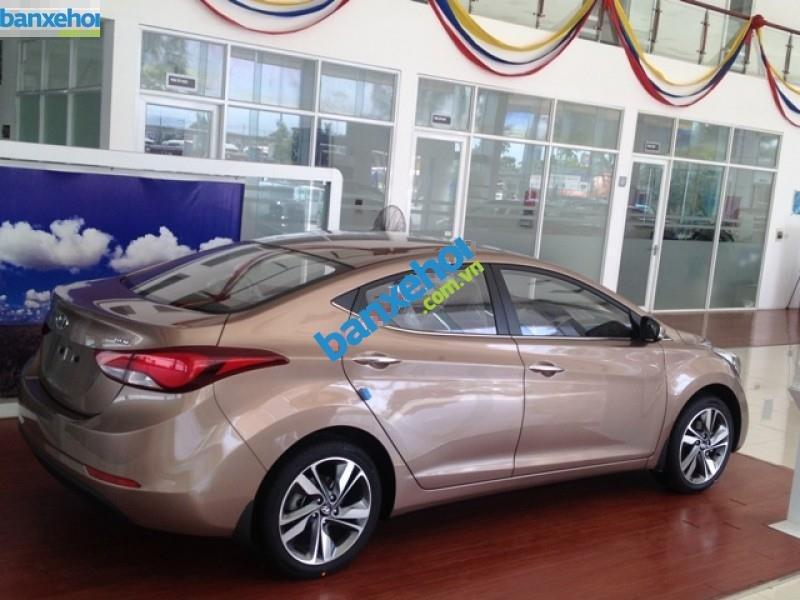 Xe Hyundai Elantra 1.6MT 2015 giá 625 triệu-9