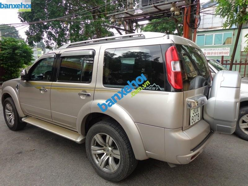 Xe Ford Everest  2010-0