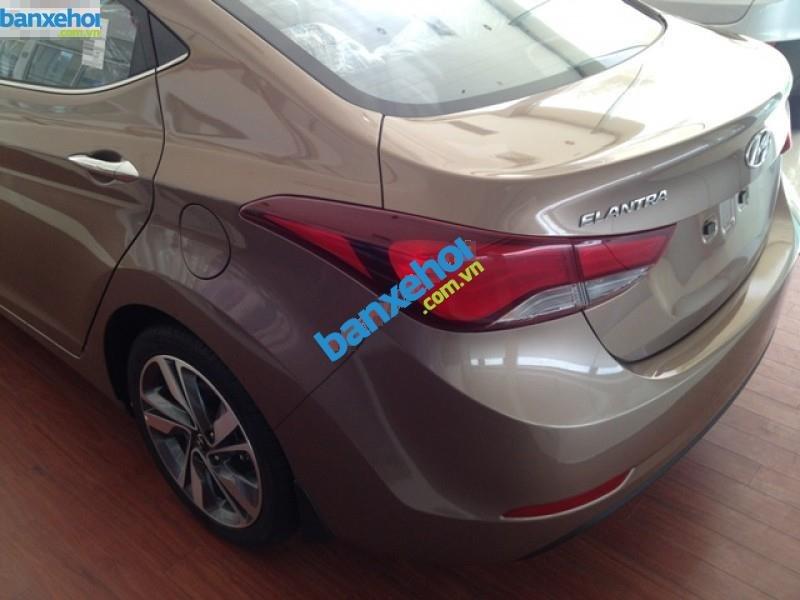 Xe Hyundai Elantra 1.6MT 2015 giá 625 triệu-7