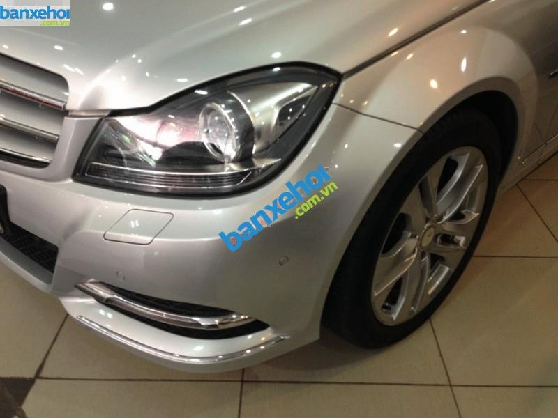 Xe Mercedes-Benz C class 200 AMG 2012-4