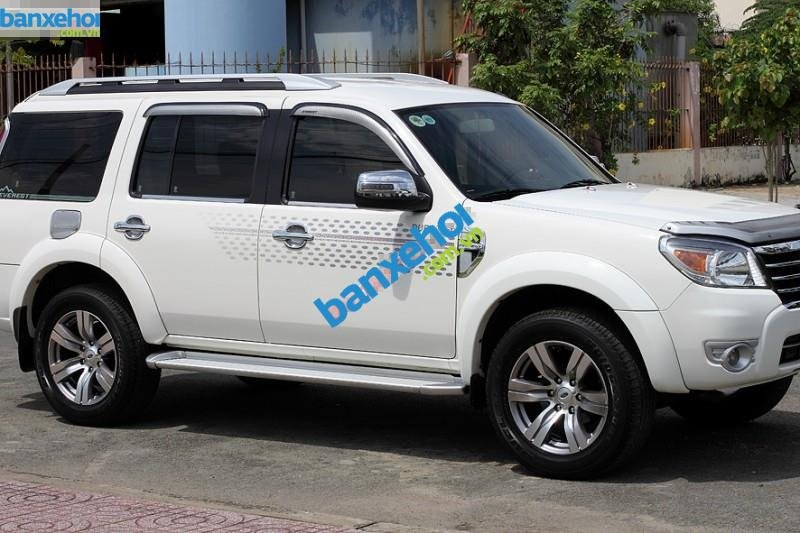 Xe Ford Everest Limited 4x2AT 2010-1