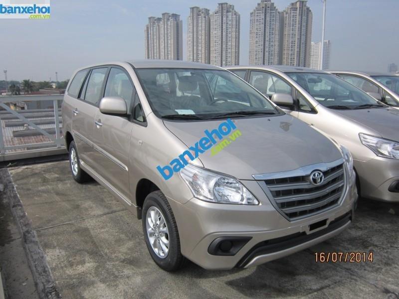Xe Toyota Innova 2.0E 2014-1