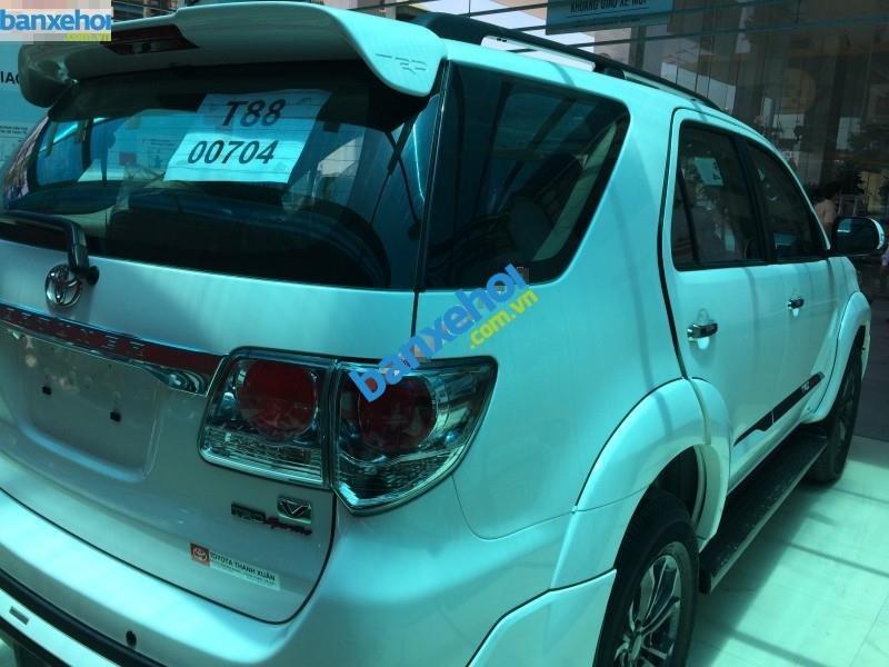 Xe Toyota Fortuner 2.7V Sportivo 2014-4