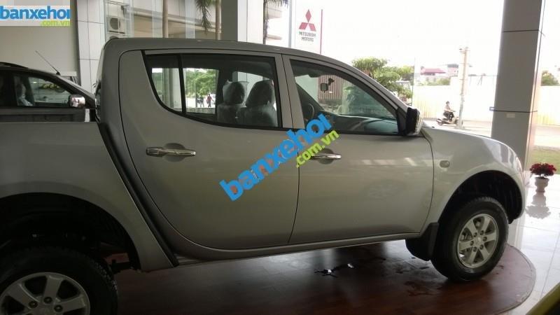 Xe Mitsubishi Triton GLX 2014-2