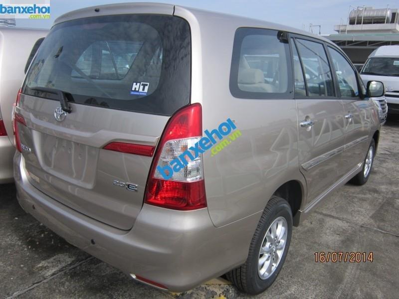 Xe Toyota Innova 2.0E 2014-2