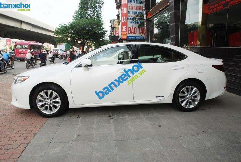 Xe Lexus ES 300h 2012-1