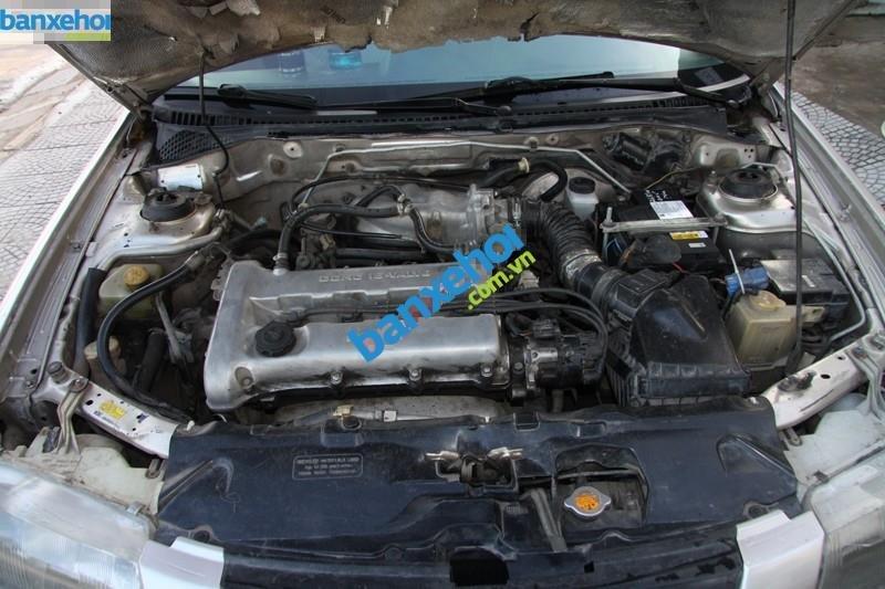 Xe Mazda 323  2000-9