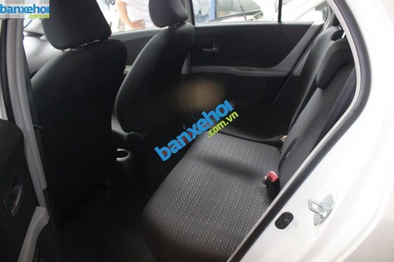 Xe Toyota Yaris  2010-6