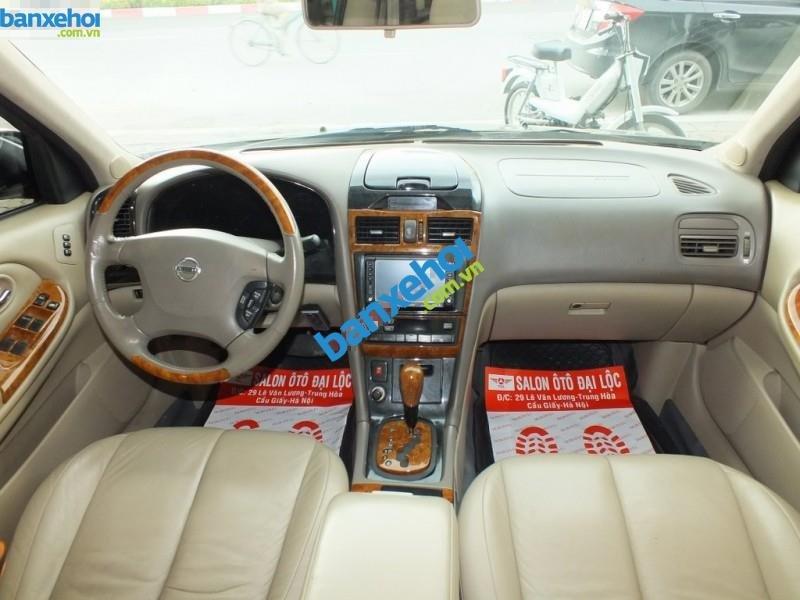 Cần bán xe Nissan Cefiro năm 2004, màu đen, 395 triệu-6