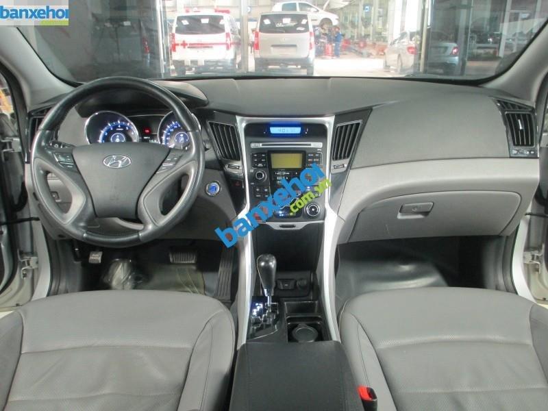 Xe Hyundai Sonata 2.0 AT 2010-5