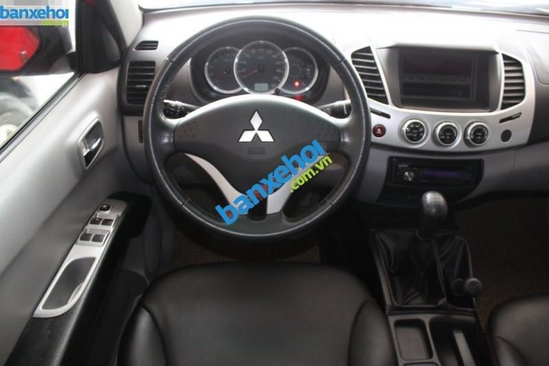 Xe Mitsubishi Triton  2011-8