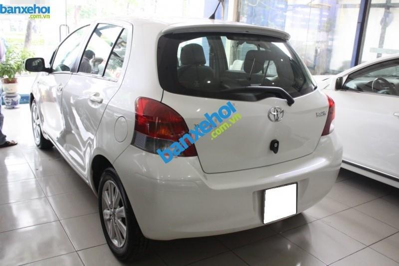 Xe Toyota Yaris  2010-3