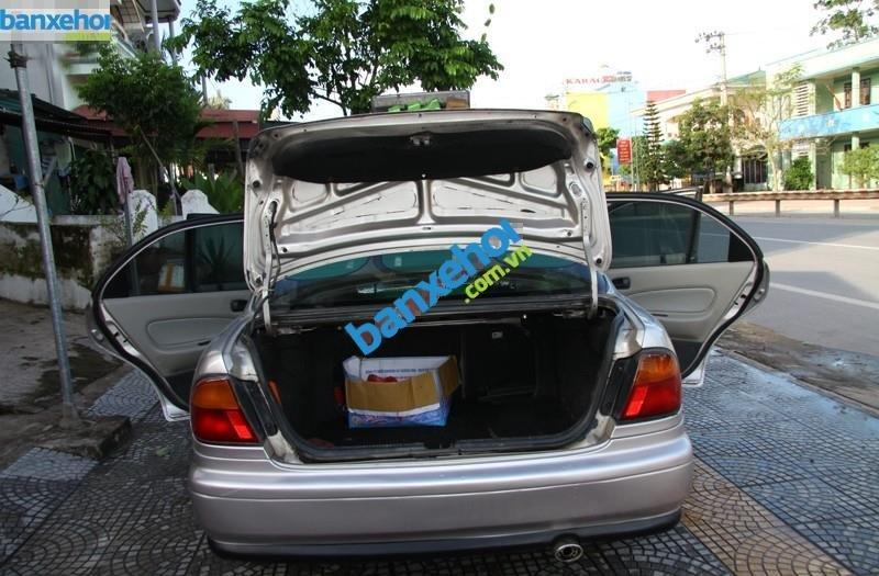 Xe Mazda 323  2000-8