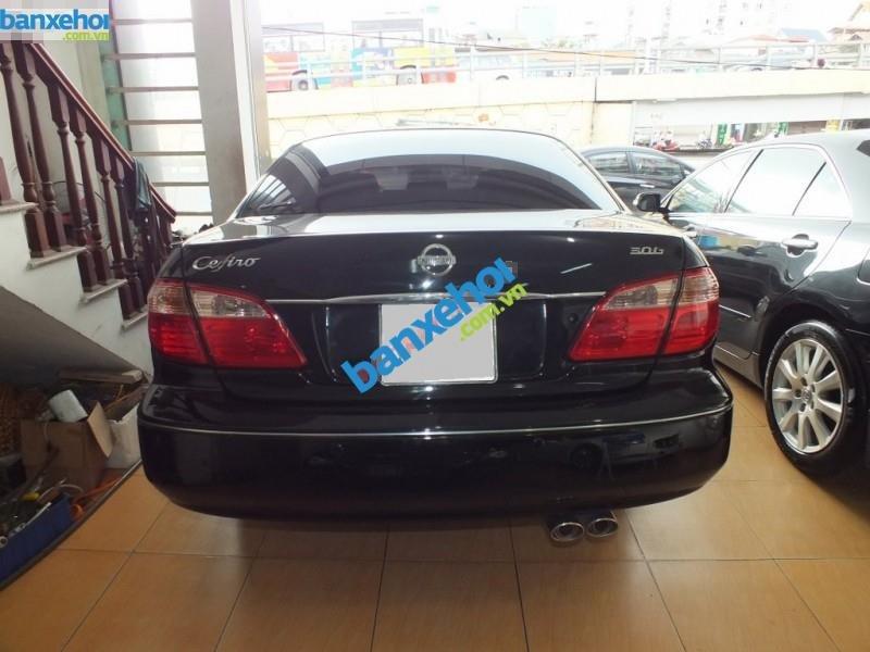 Cần bán xe Nissan Cefiro năm 2004, màu đen, 395 triệu-2