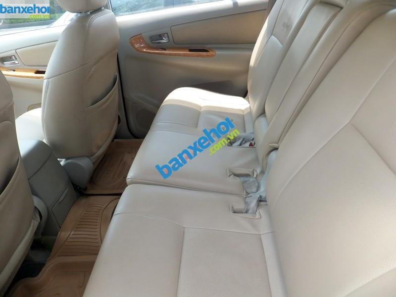 Xe Toyota Innova G 2011-3