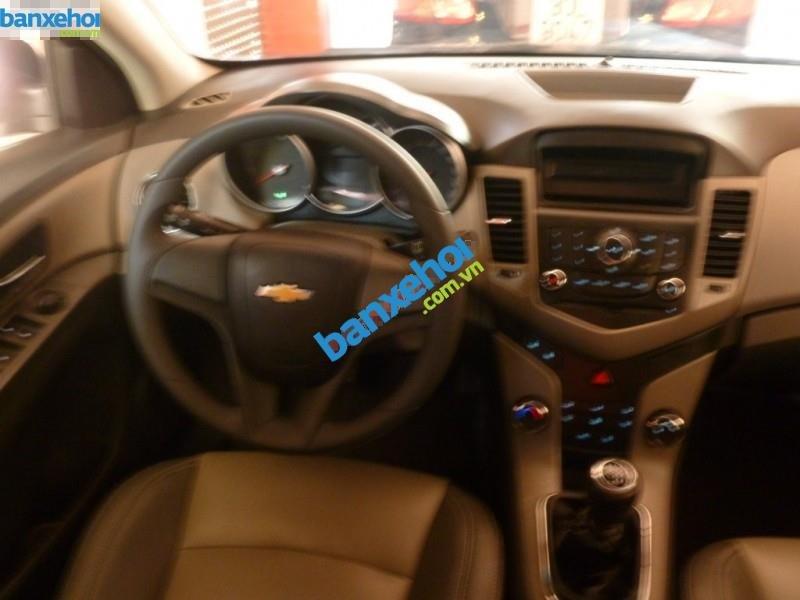 Xe Chevrolet Cruze LS 2011-5