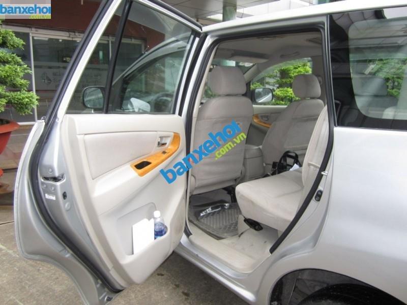 Xe Toyota Innova G 2011-5