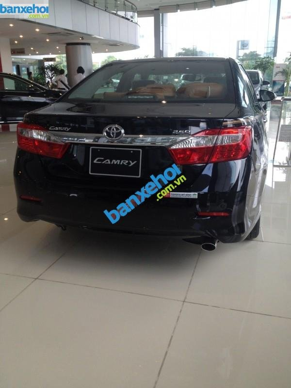 Xe Toyota Camry 2.5 Q 2014-2