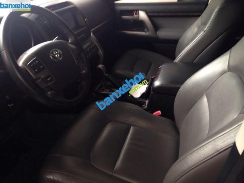 Xe Toyota Land Cruiser VX V8 2011-6
