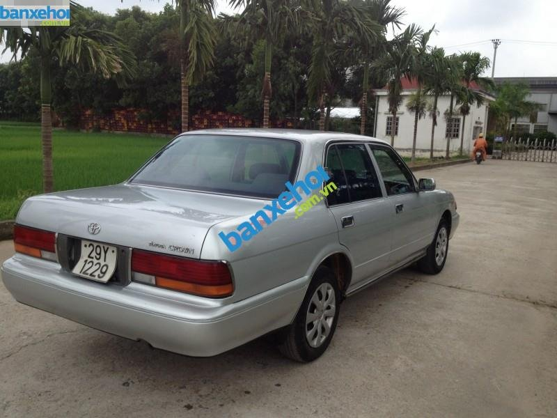 Xe Toyota Crown  1995-4