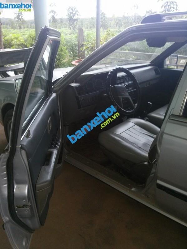Xe Nissan Bluebird GLX Trước 1990-4