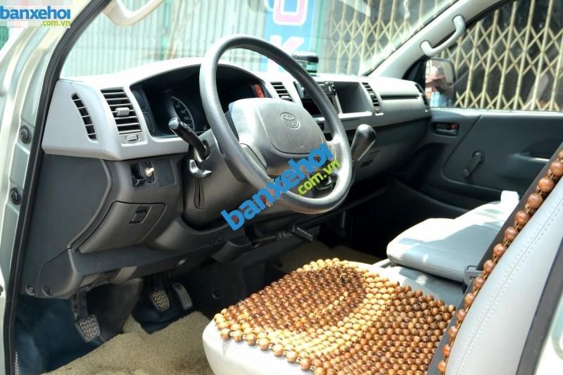 Xe Toyota Hiace  2009-4