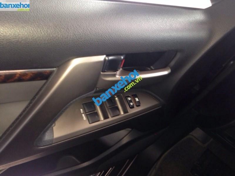 Xe Toyota Land Cruiser VX V8 2011-5
