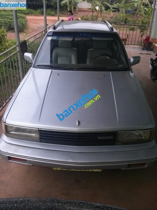 Xe Nissan Bluebird GLX Trước 1990-0