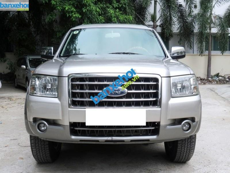 Xe Ford Everest  2008-1