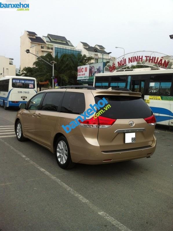 Xe Toyota Sienna 3.5 Limited 2010-3