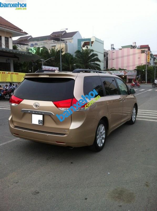 Xe Toyota Sienna 3.5 Limited 2010-2