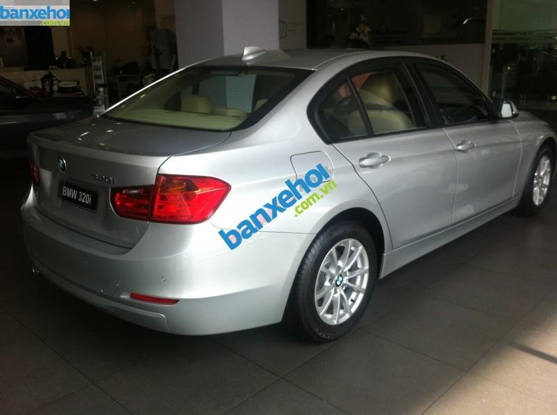 Xe BMW 3 Series 320i 2014-3