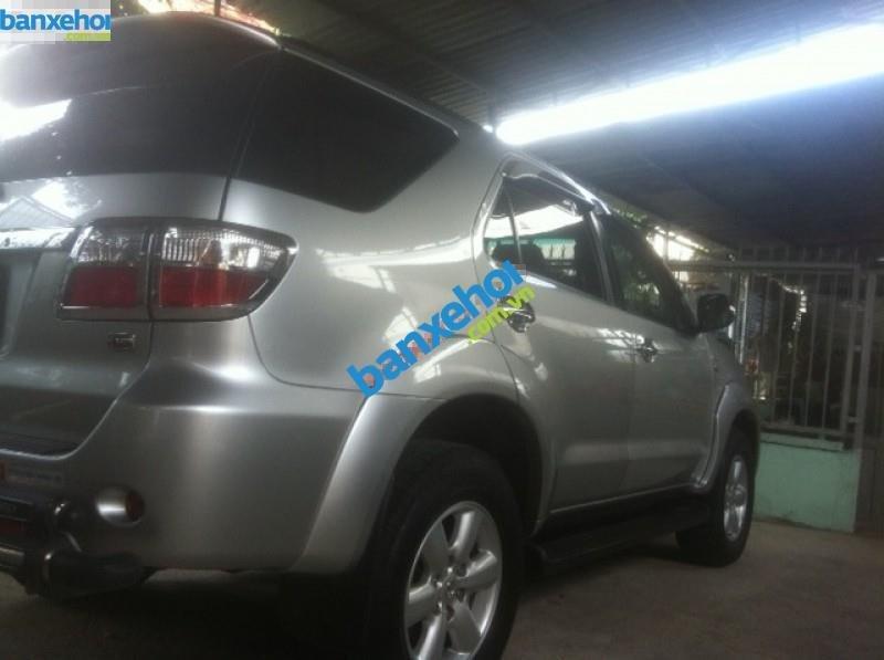 Xe Toyota Fortuner 2.5G 2009-4