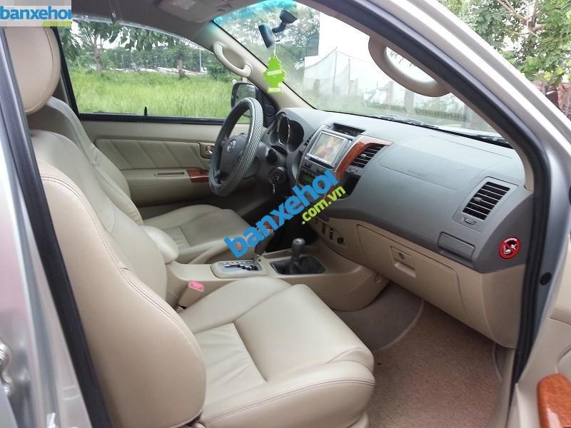 Xe Toyota Fortuner V 2009-6