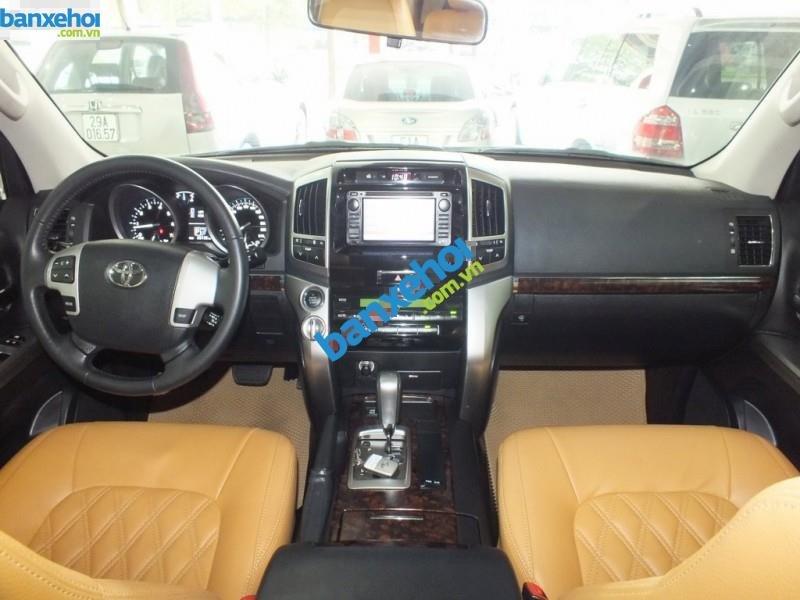 Xe Toyota Land Cruiser VX V8 2013-7