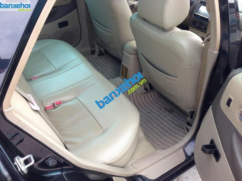 Xe Ford Laser  2004-5