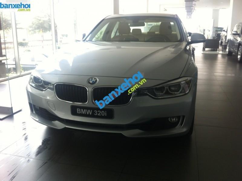 Xe BMW 3 Series 320i 2014-0