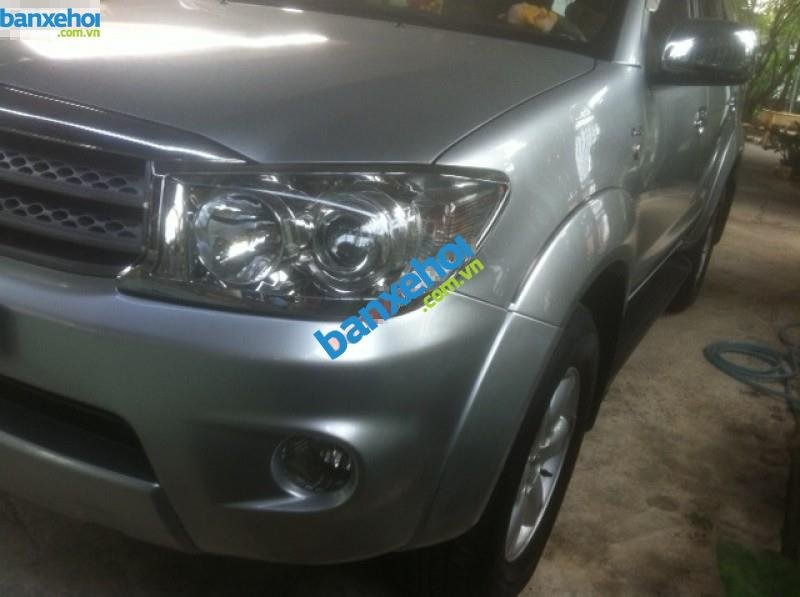Xe Toyota Fortuner 2.5G 2009-2