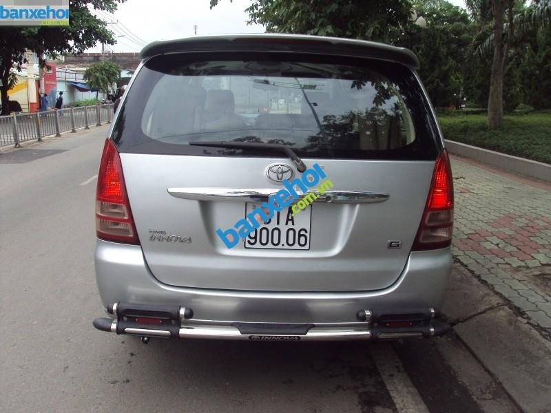 Xe Toyota Innova  2007-4